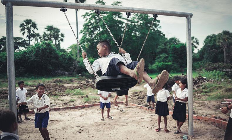 CSR-cambodiadonation-slider4.jpg